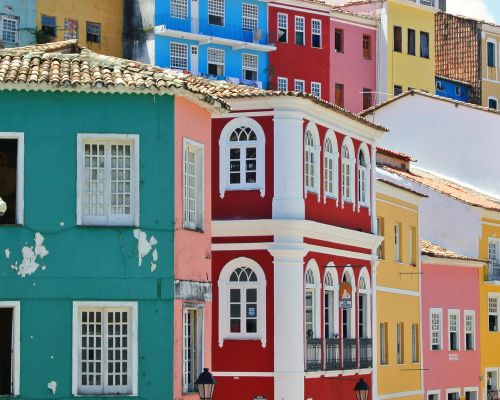 inforgraphic DMC Brazil colorful houses